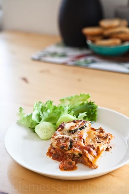 kesäkurpitsalasagne lasagne