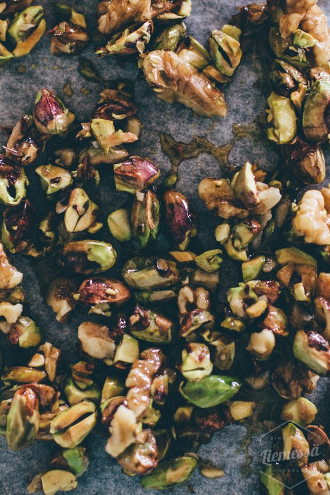 uunipäärynät karamellisoidut pähkinät