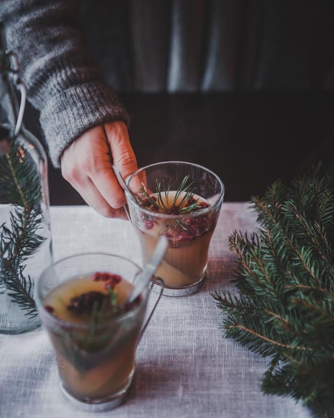 Glögi I Joulukattaus I Joulupöytä I Joulu I Kattaus I Idea I Sisustus I Mulled wine I Christmas drink I Scandinavian christmas food I Food photography