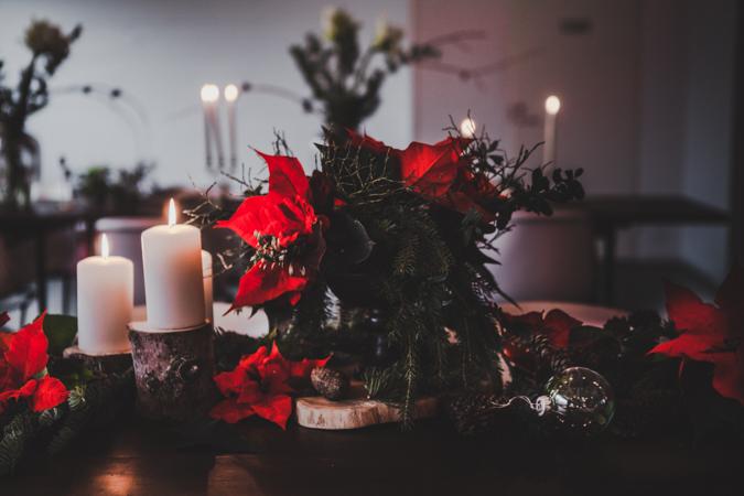 Joulutähti I Joulukattaus I Joulupöytä I Joulu I Kattaus I Idea I Sisustus I Christmas flower I Scandinavian christmas decor I Food photography