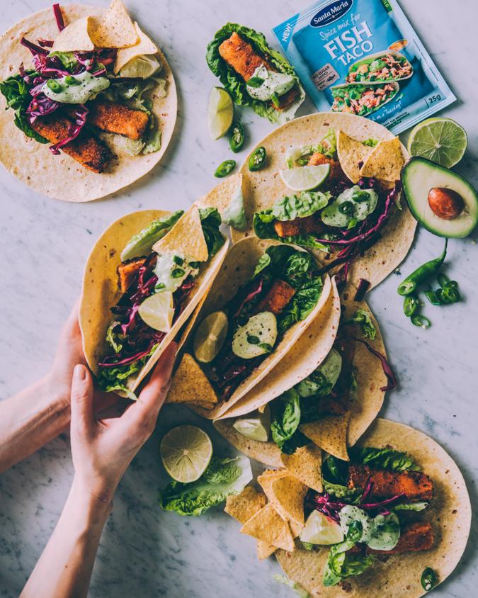 Kalapuikkotacot I Kalataco I Taco I Illanistujaiset I Ohje I Resepti I Texmex I Avokado I Uusivuosi I Ruoka I Fish taco I Avocado dressing I Mexican food I New Year food I Food photography
