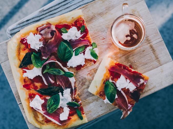 täydellinen pizza I resepti I ohje I pizzataikina I pizzapohja I levypizza I paras pizza I 00 jauhot I tomaattikastike I italialainen pizza I Perfect pizza I Italian pizza I Food photography