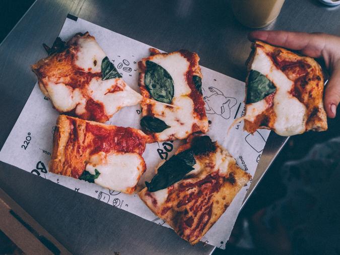 Rooma I Italia I Pizza I Levypizza I Ruokamatka I Matka I Matkailu I Täydellinen pizza I Pizzataikina I Pizza resepti I Ohje I Best italian pizza in Rome I Food I Gastro I Travel I Italy I Food photography