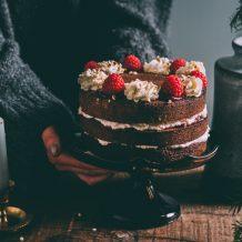 Runebergintorttukakku I Runebergintorttu I Kakku I Runeberginleivos I Leivonta I Runeberginpäivä I Täytekakku I Runebergs day cake I Ruokakuvaus I Ruokablogi I Resepti I Ohje I Food photography