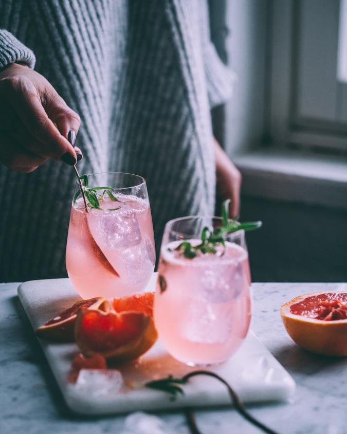Verigreippi I Gin tonic I Gin & Tonic I Gini I Drinkki I Cocktail I Juoma I Resepti I Ohje I Hedelmä I Ruokakuvaus I Pink grapefruit gin tonic