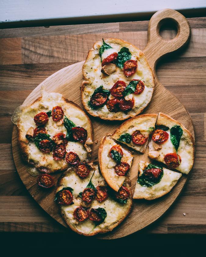 Uunitomaatti flatbread I Uunitomaatit I Pita leipä I Pizza I Resepti I Ohje I Kasvisruoka I Oven baked tomato flatbread