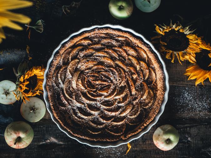 Kinuskinen omenapiirakka