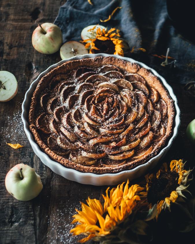 Helppo kinuskinen omenapiirakka